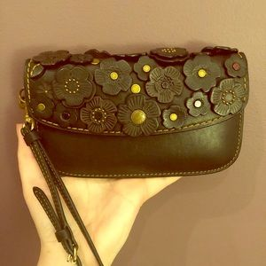 Coach tea rose flower appliqué wristlet clutch